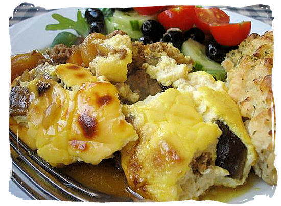 Bobotie, a delicious Cape Malay dish with its origins in the 17th century - Delicious food in South Africa, South African food guide
