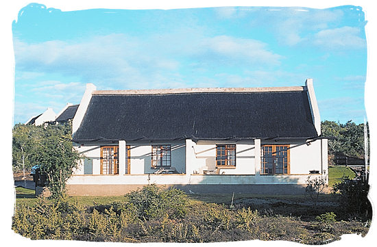 semi-detached chalet - Addo Elephant Park accommodation