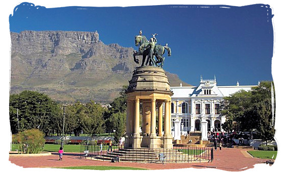 Delville Wood memorial and garden in the Company's Garden in Cape Town with the South African Museum and Table Mountain in the background - South African museums