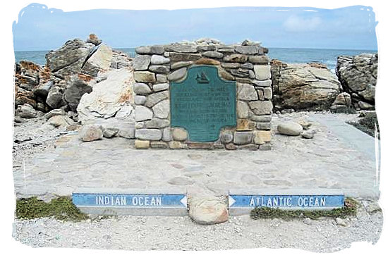 In the Cape Agulhas National Park a simple cairn with a plaque indicates the exact spot at the southern tip of Africa where the Indian and Atlantic oceans meet