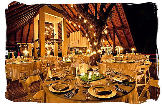 Exquisite dining at Lhondolozi private game reserve