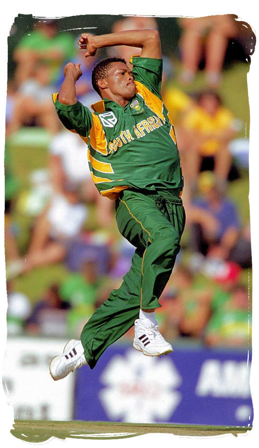 South African bowler Makhaya Ntini in action - South Africa cricket