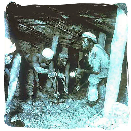 1935 picture of miners in Crown goldmine at Johannesburg - Anglo Boer War in South Africa