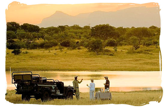 Sundowners in the bush in Phinda private game reserve