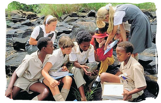 Schoolchildren, the new generation of South Africa - South African culture