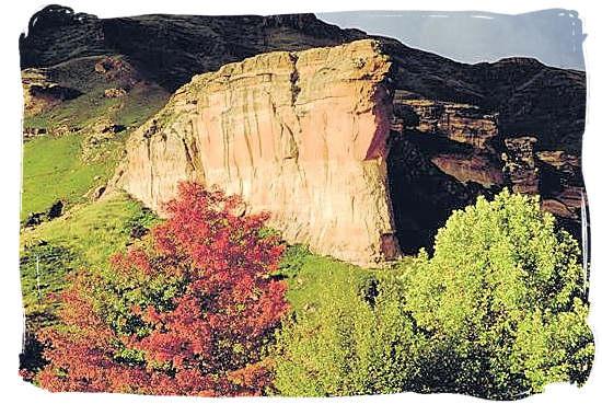 Sentinel (Brandwag) rock in the Golden Gate Highlands National Park