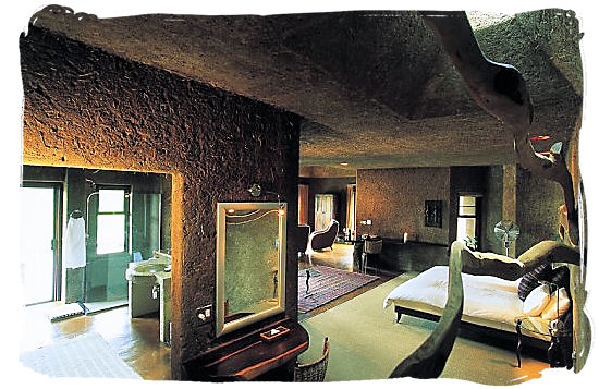 Luxurious accommodation at the Earth Lodge in Sabi Sabi private game reserve.