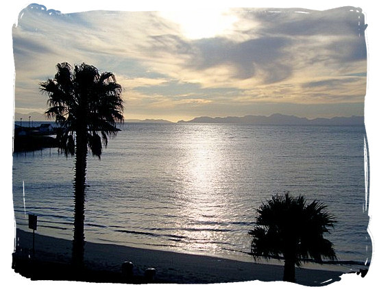 The magnificent sunsets over False Bay are really sights to be seen - Cape Town holiday attractions, Table Mountain National Park