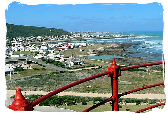 "View from the lighthouse towards the towns of ""L'Agulhas"" in the foreground and ""Struisbaai"" behind it on the skyline"