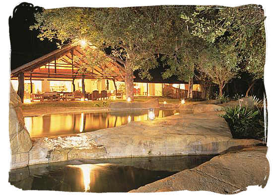 Chapungu Lodge in the luxury Thornbush private game reserve
