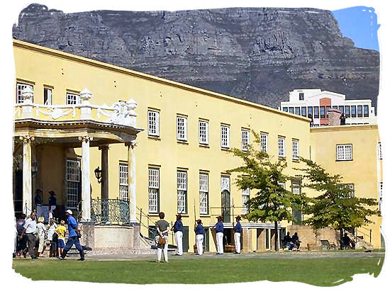 Main gateway into the castle of good Hope built between 1666 and 1679 by the Dutch East India Company - Colonial history of South Africa