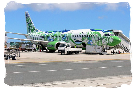 Local airline kulula Airways at Cape Town international airport - Cape Town Maps, Cape Town Places and Cape Town Guide