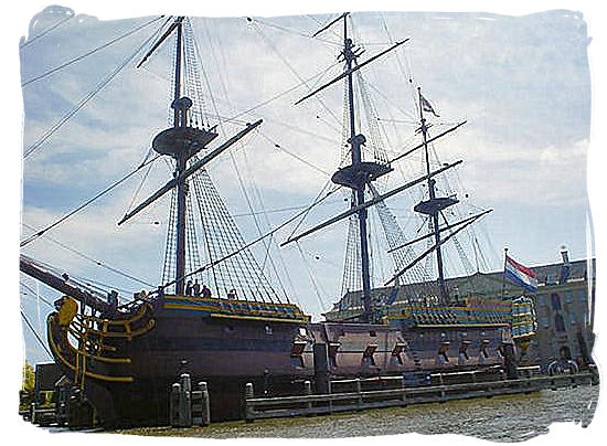 Replica of typical VOC ship, the Amsterdam, which was lost on its maiden voyage in 1749 - Colonial history of South