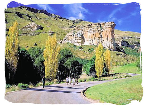 The Brandwag (sentinel) rock formation near the entrance to Glen Reenen rest camp - Golden Gate Highlands National Park