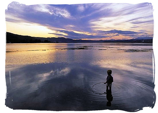 Sunset over the Knysna lagoon - Knysna Weather and Climate Features