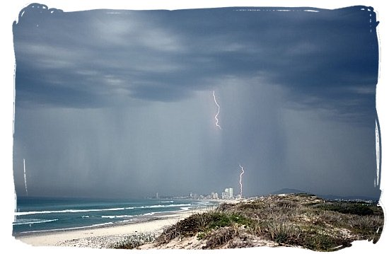 The Weather in Cape Town and Peninsula, Cape Town Weather Forecast - Thunderstorm over Blouberg Beach and Milnerton