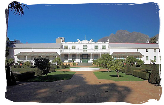 Tuynhuis, the office of the President of South Africa in Cape Town - South Africa Government, South Africa Government type